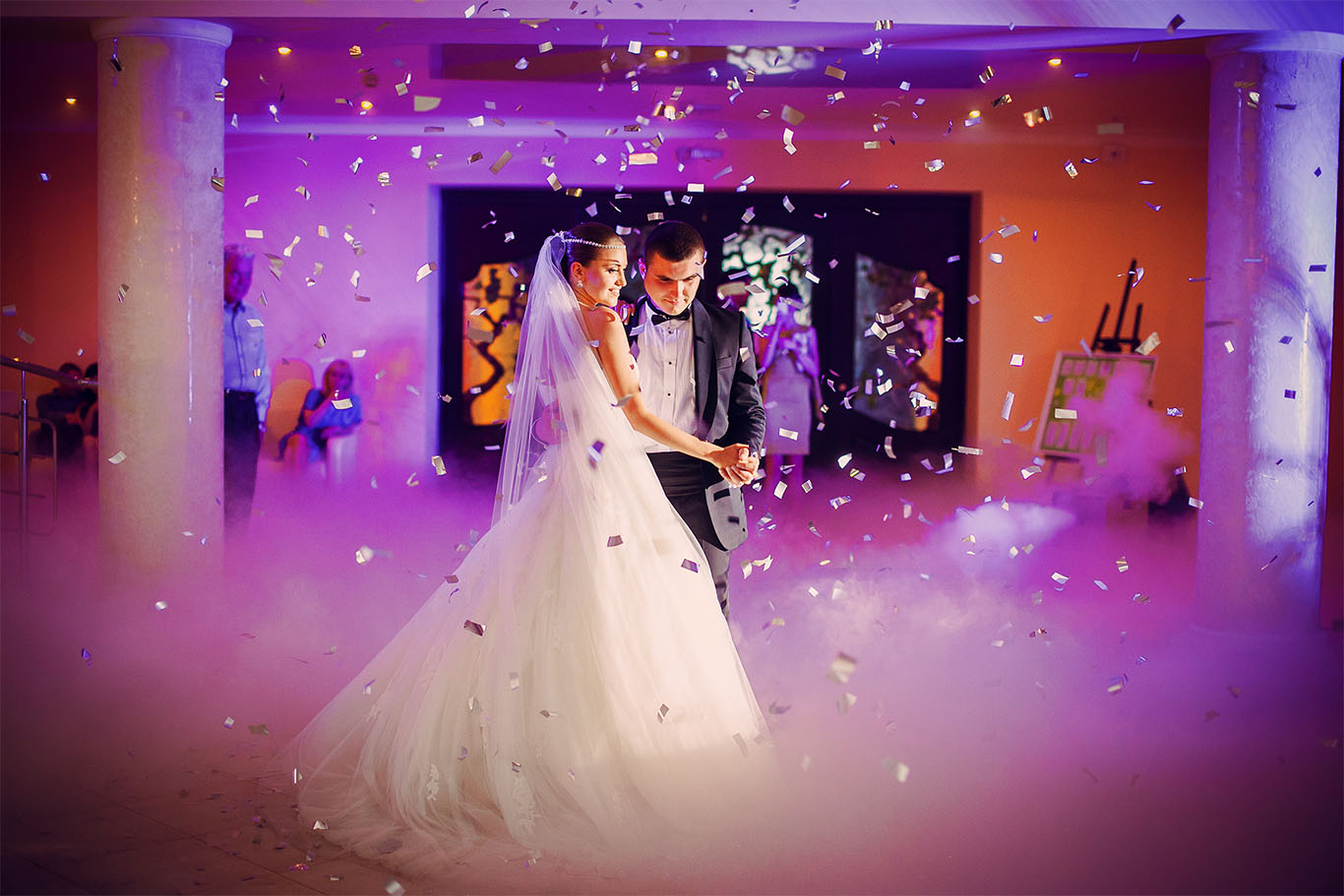 DanceNGroove DJ & Entertainment wedding premium lighting
